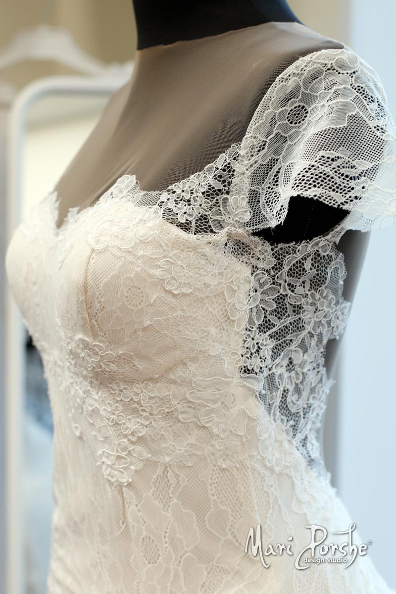 """Свадебное платье """"Лия"""" сбоку"""